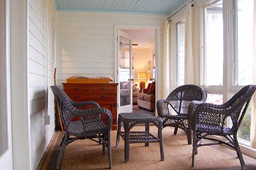 Farmhouse-at-Cardinal-Point-sunroom