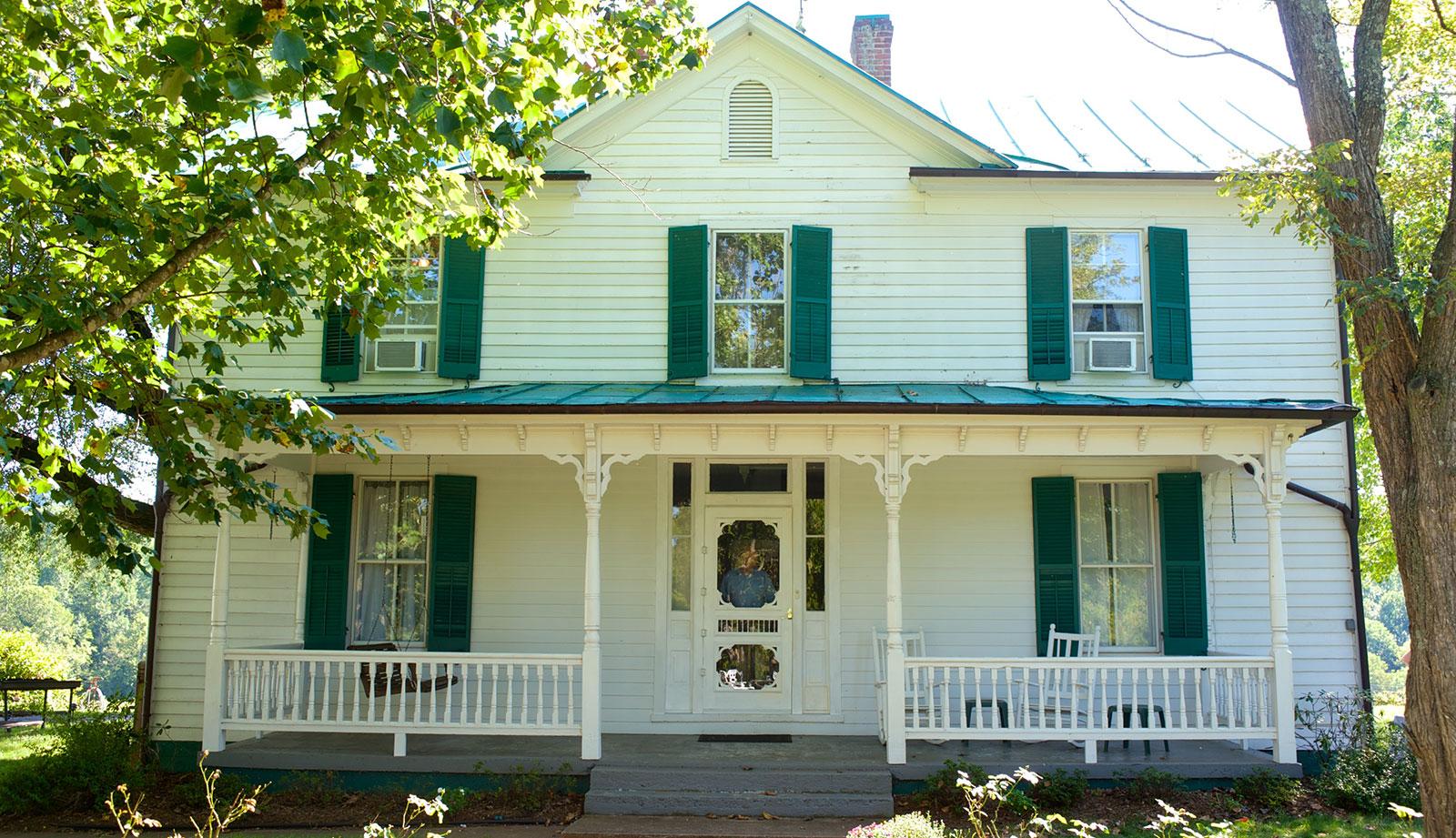 the-farmhouse-at-cardinal-point